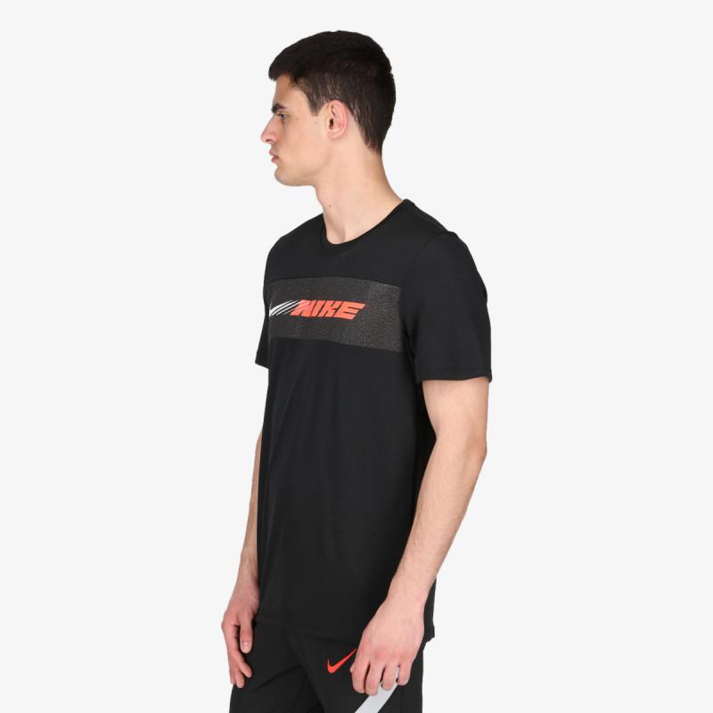 NIKE t-shirt M NK DRY SUPERSET SS SC ENERGY